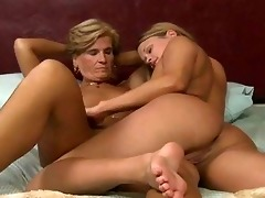 Wife seduces lesbian, throat fuck the wound
